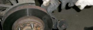 Замена тормозных дисков — когда нужно менять тормозные диски и как это сделать?