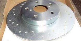 Передние и задние тормозные диски — замена и установка своими руками