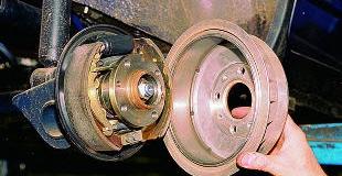 Замена задних тормозных колодок — как заменить и когда?