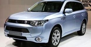Гибридный Mitsubishi Outlander появится в России в 2013 году