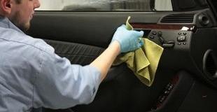 Химчистка салона авто своими руками: технология и какие средства для чистки выбрать