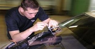 Какое оборудование и инструменты нам понадобятся для ремонта автостекол