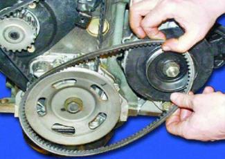 Процесс замены ремня генератора