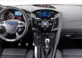 Приборная панель Ford Focus ST Turnier