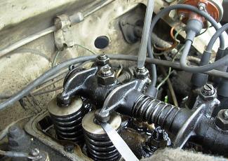 Фотография процесса регулировки клапанов двигателя, motor4ik.com.ua