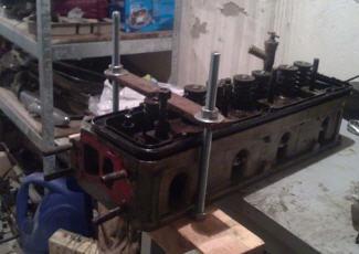 Фотография рассухаривателя клапанов в гараже