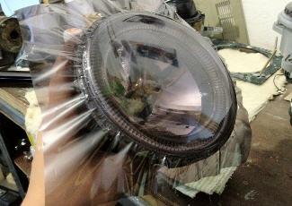 Процесс тонировки фар пленкой, drive2.ru