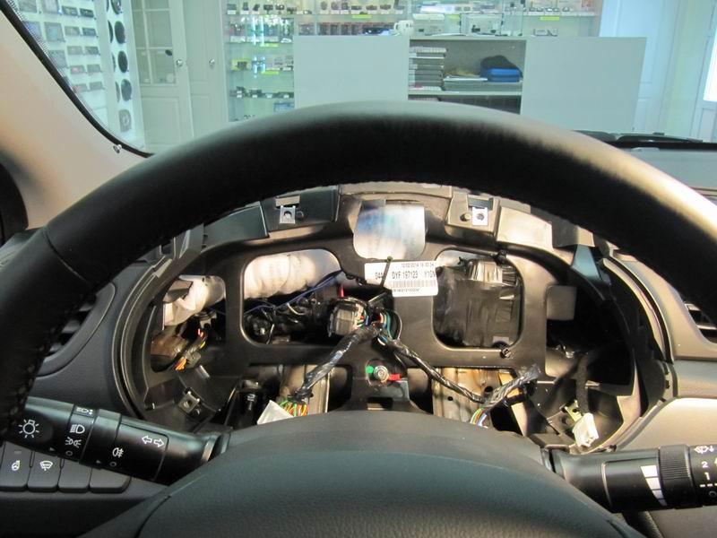 Скрытая установка блока управления сигнализации