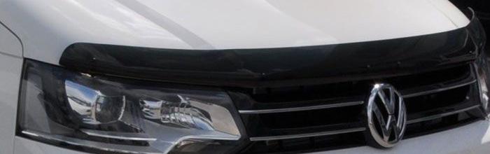 На фотографии Volkswagen с установленными дефлекторами