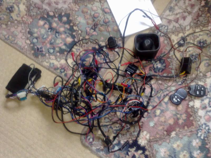 Фотография соединенного комплекта установки сигнализации