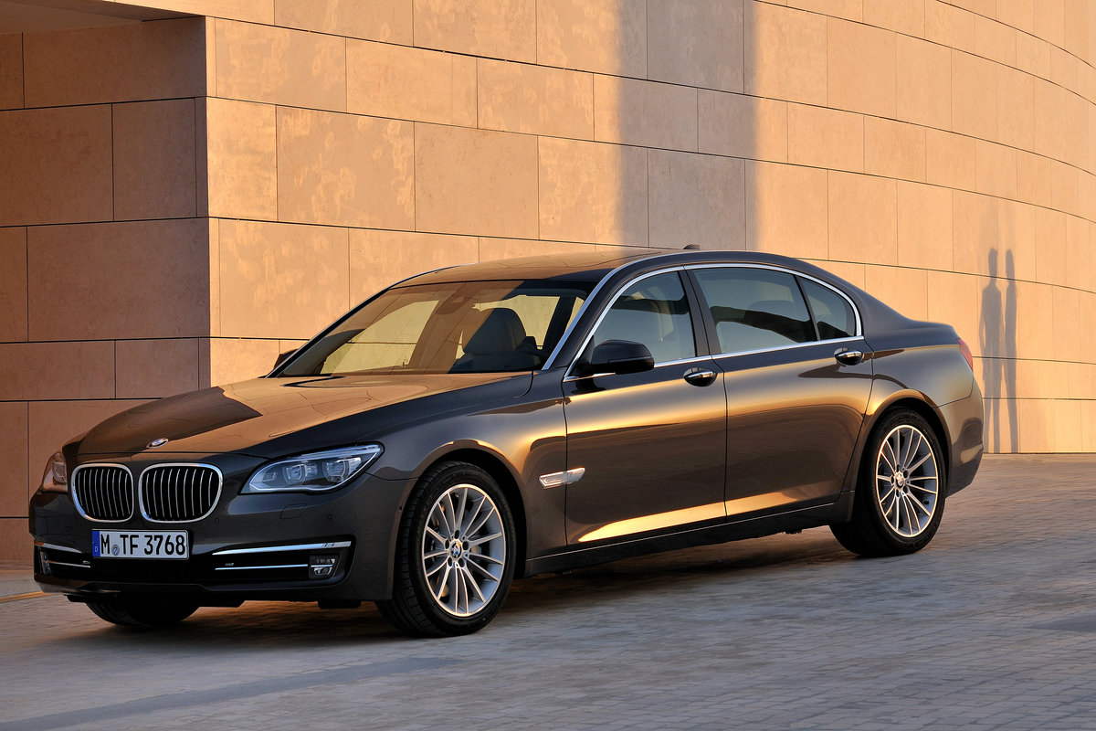 BMW 7 серии.