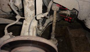 Как устранить стук и скрип в передней подвеске авто