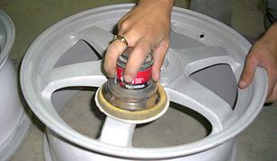 Шлифовка покрашенного колесного диска
